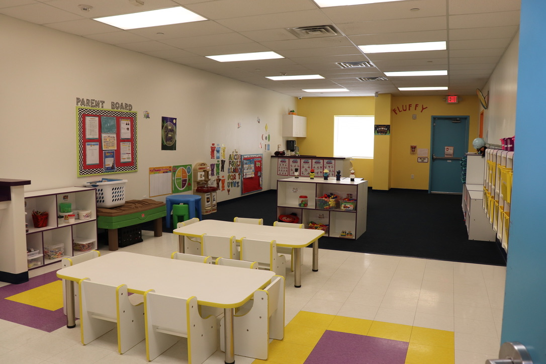 Twaddler Room for 2 years old to 2 1/2 years old